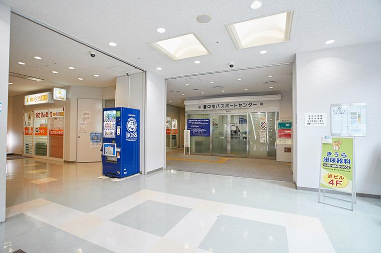 (4)再び突き当りを左に曲がればエレベーターにつきます。